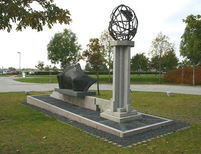 Erik Varmings kunstværk foran AU Foulum